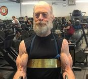 J.K. Simmons aclara que su musculatura no influir� en James Gordon en Justice League