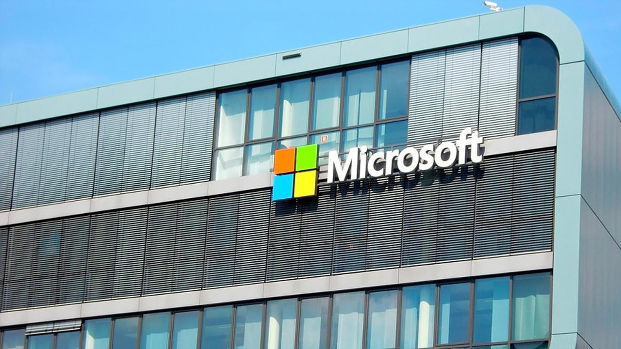 Dólares Alcanza Billón De Microsoft El En Bolsa drBoxeWC
